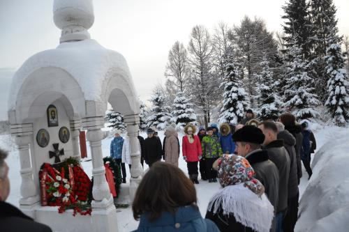 Ветераны военной контрразведки ФСБ почтили память павших на Невском пятачке