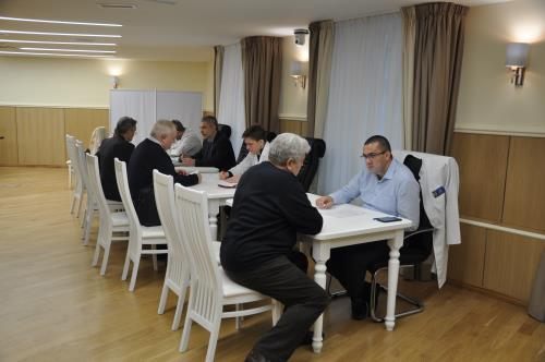 Врачи Центра имени Бакулева обследовали ветеранов военной контрразведки